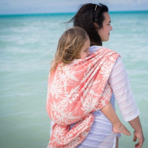 Portage au dos sur la plage