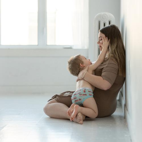 Photo d'un enfant de 3 ans allaité